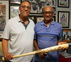 La visita sorpresa de Tany Pérez al hermano de Roberto Clemente