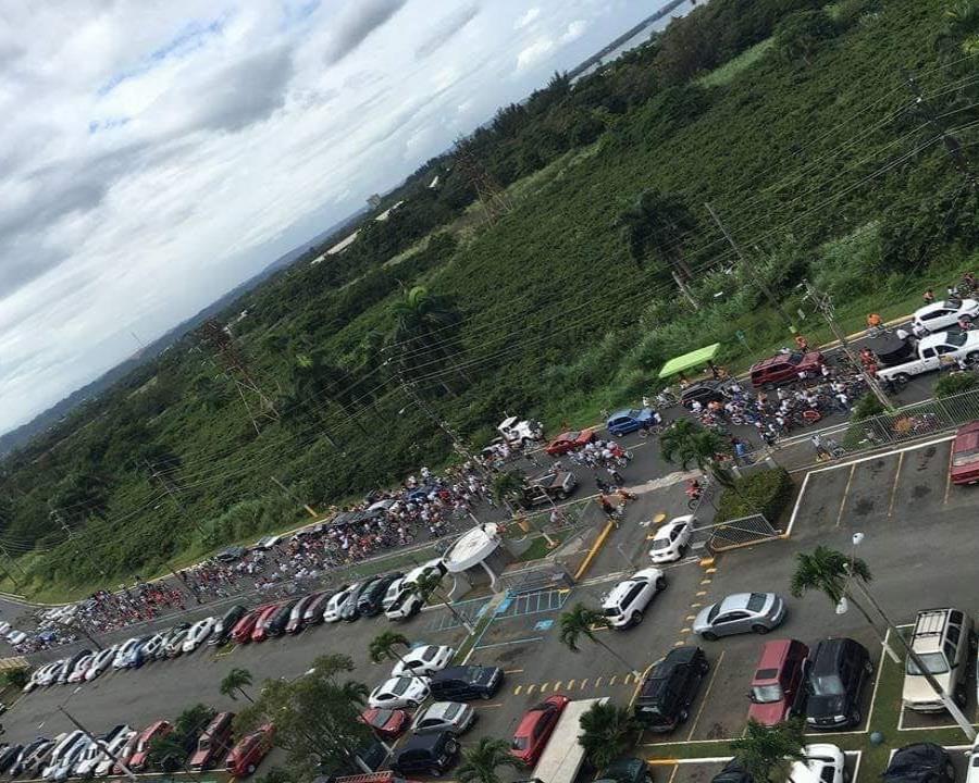 La caravana de bicicletadas camino a su destino final en la Bahía Viva de Cataño, en su celebración del año pasado que finalmente reunió a unas 920 personas. (Suministrada) (semisquare-x3)