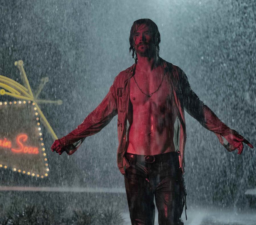 Chris Hemsworth muestra su talento al punto de que se consiidera que este es el mejor personaje de su carrera (semisquare-x3)