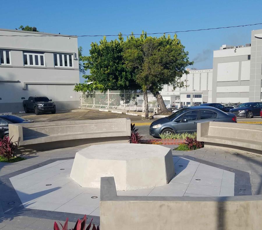 El total de la construcción de la plaza asciende a $204,630. (Javier Colón Dávila) (semisquare-x3)