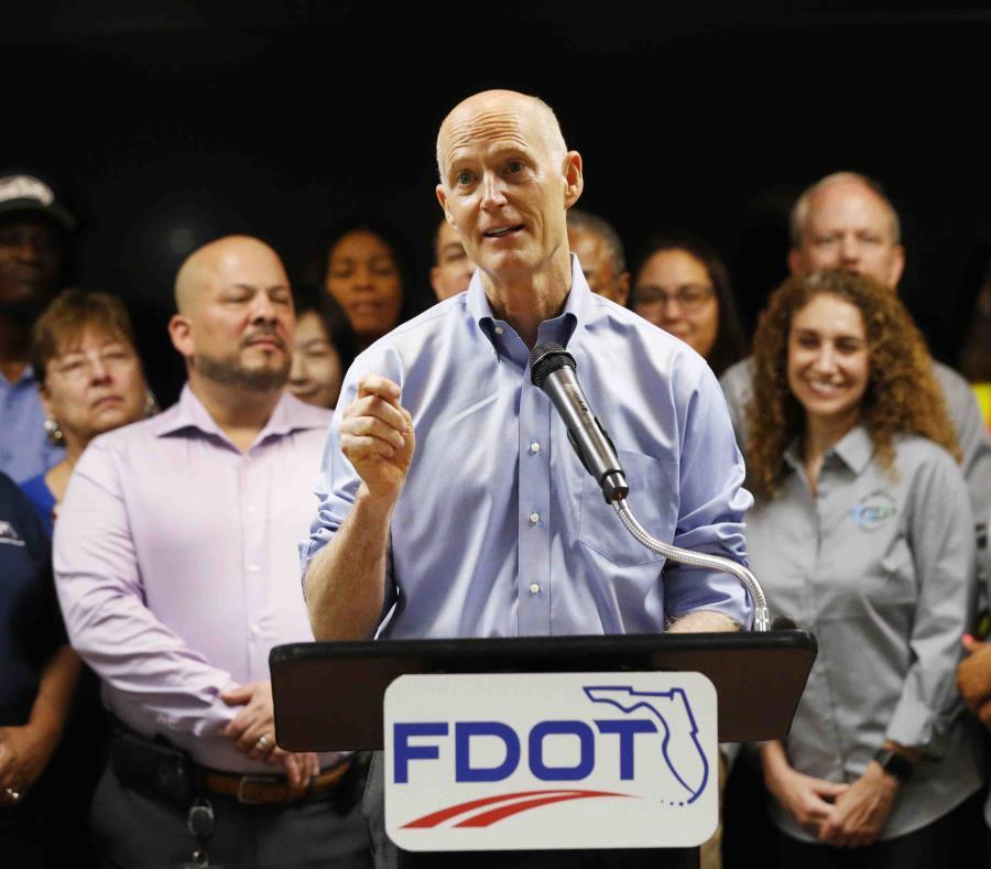Rick Scott espera poder arrebatarle el escaño al demócrata Bill Nelson con la ayuda de los votantes hispanos: se estima que más de un millón de hispanos participarán en las elecciones primarias de Florida. (AP) (semisquare-x3)