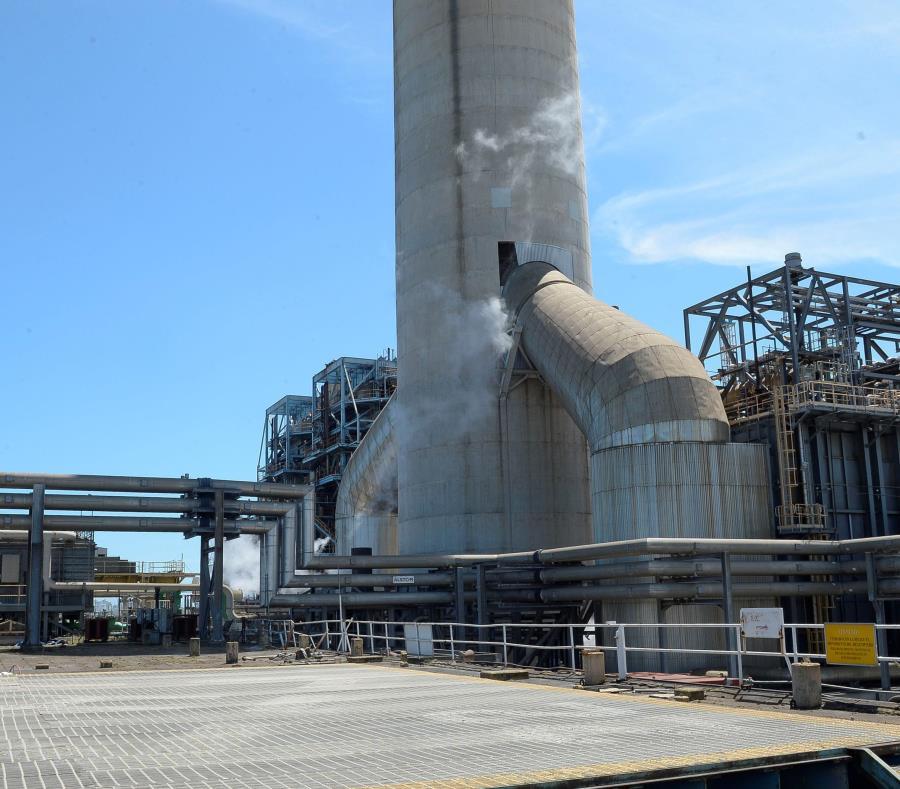 El gobierno de Ricardo Rosselló tiene planes de convertir de petróleo a gas natural  las unidades #5 y #6 de la Central San Juan de la Autoridad de Energía Eléctrica. (semisquare-x3)