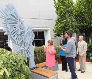 La UNE inaugura el Jardín del Pitirre