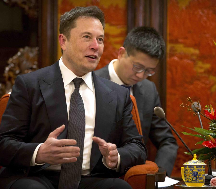 Tesla elimina 3.000 empleos y Musk vislumbra un camino
