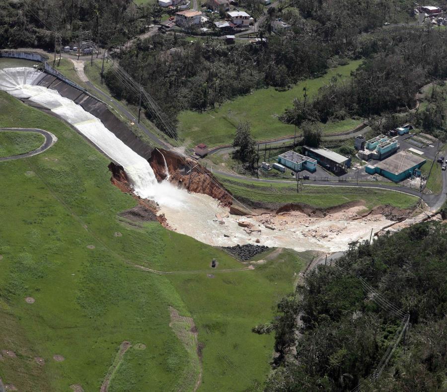Vista aérea de cómo lucía la represa días después del paso del huracán María. (GFR Media) (semisquare-x3)