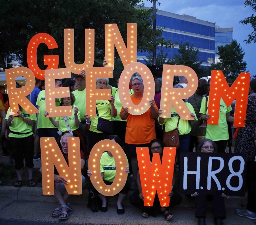 Trump vuelve a reivindicar el derecho a portar armas