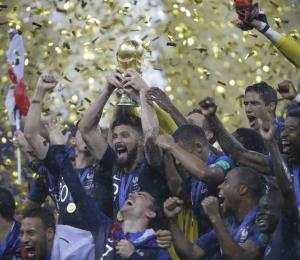 Francia celebra la reconquista de la Copa Mundial