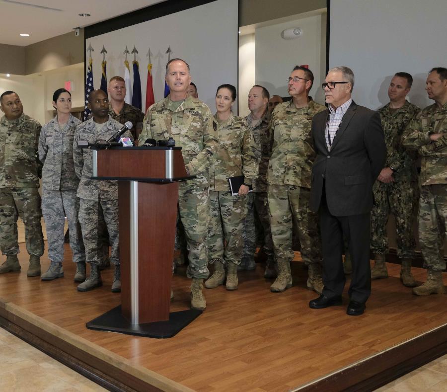 """""""Este tipo de misión nos permite demostrar algunas de las capacidades de las Fuerzas Armadas tienen disponibles y que puede poner en servicio a las necesidades de la nación y de la isla"""". (semisquare-x3)"""