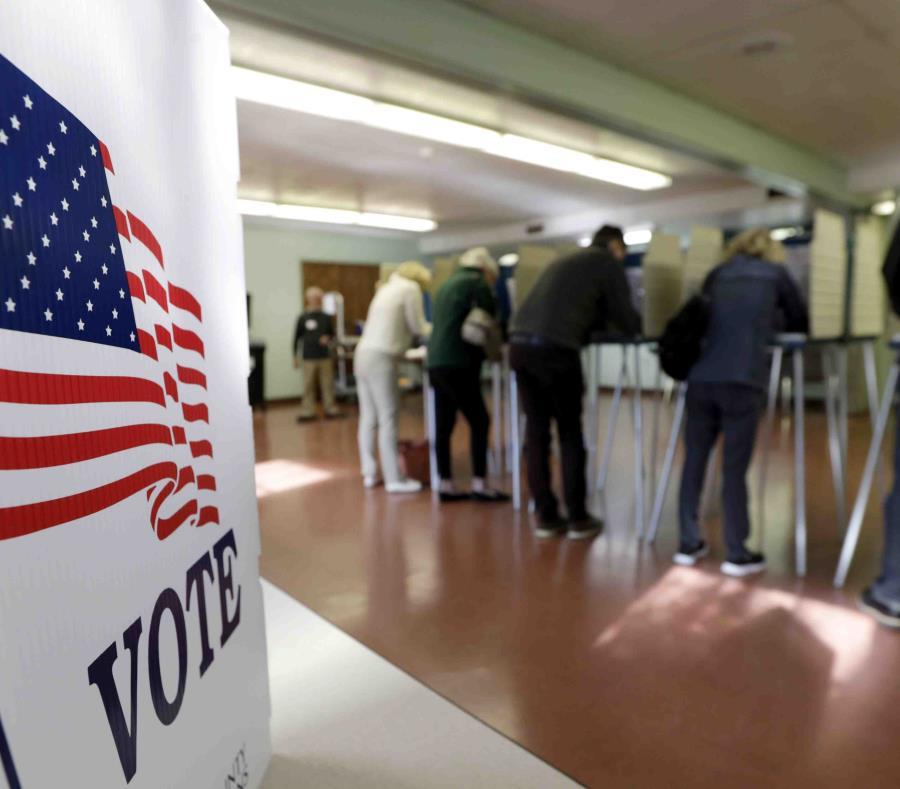 Un centro de votación en Gates Mills, Ohio. (AP / Tony Dejak) (semisquare-x3)