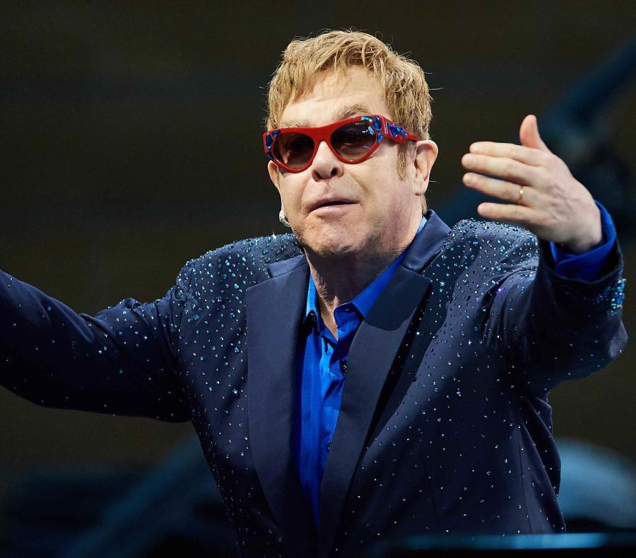 El intérprete británico Elton John es productor de la película. (semisquare-x3)