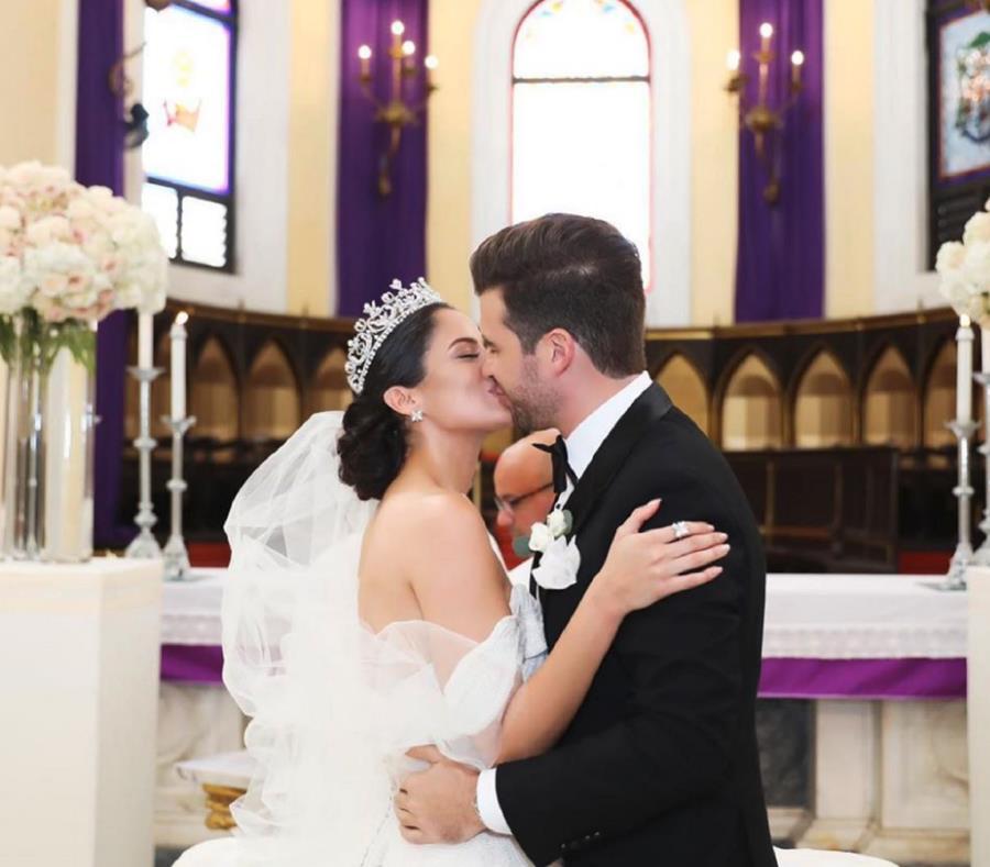 Aleyda Ortiz y Ricardo Casanova se casaron en la Catedral de San Juan. (Instagram.com / Aleyda Ortiz) (semisquare-x3)