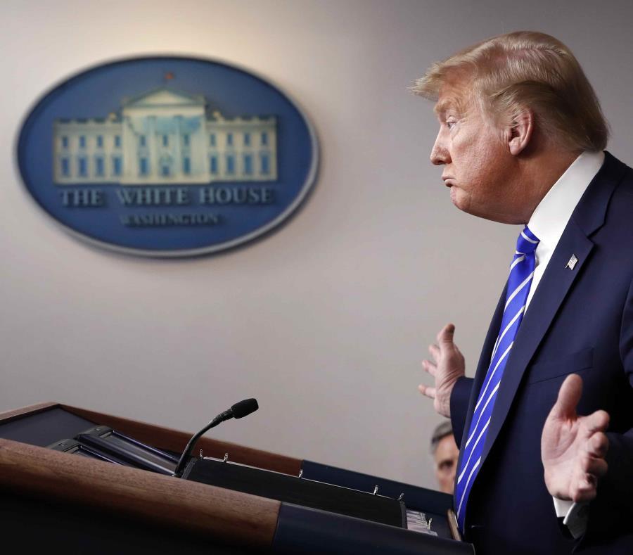 Trump propone inyectar desinfectante y luz a enfermos de coronavirus — AHORA