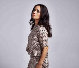 Julieta Venegas combina el teatro con la música