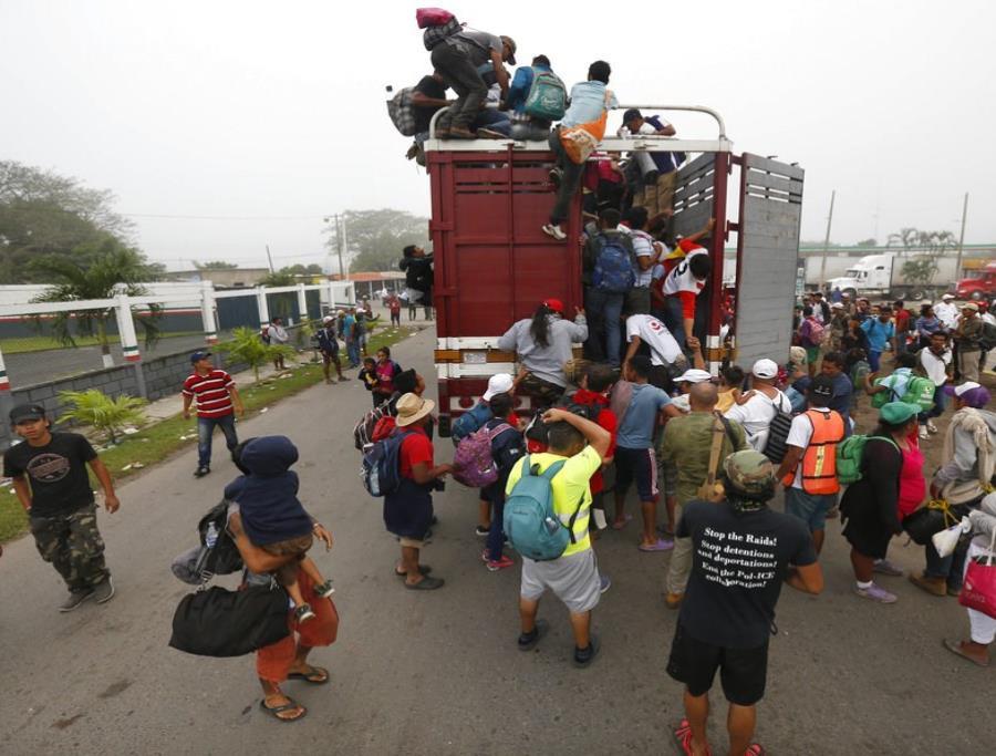 México permitirá a migrantes extranjeros que piden asilo en EE.UU. permanecer en el país (semisquare-x3)