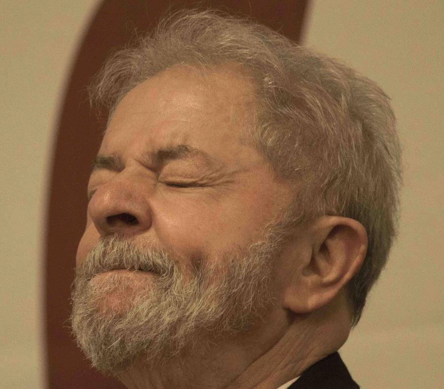 Tribunal electoral de Brasil vetó participación de Lula en elecciones