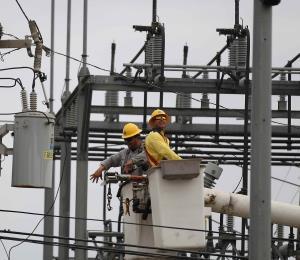 Sobre 5,000 clientes de la AEE permanecen sin luz por unas averías