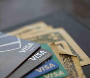 Aumenta el uso de tarjetas de crédito en octubre en Estados Unidos