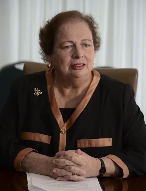 Mari Carmen Aponte (vertical-x1)