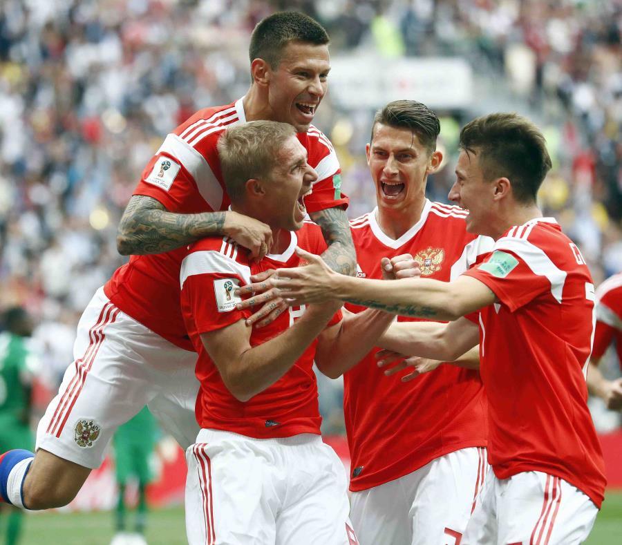 Yury Gazinsky  anotó el gol con un cabezazo. (AP) (semisquare-x3)