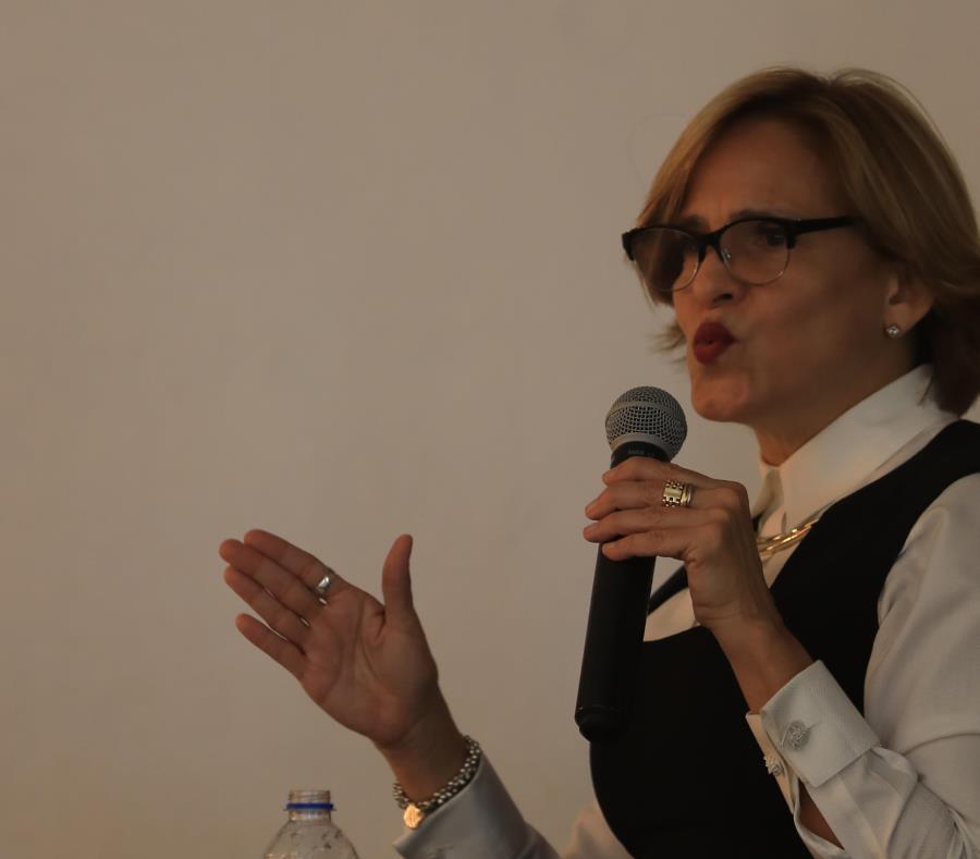 """""""Los albergues hacen una labor titánica, y esta iniciativa -una vez más- facilitará el que podamos asistir a mujeres"""", aseguró la senadora del Partido Nuevo Progresista, Zoé Laboy. (semisquare-x3)"""