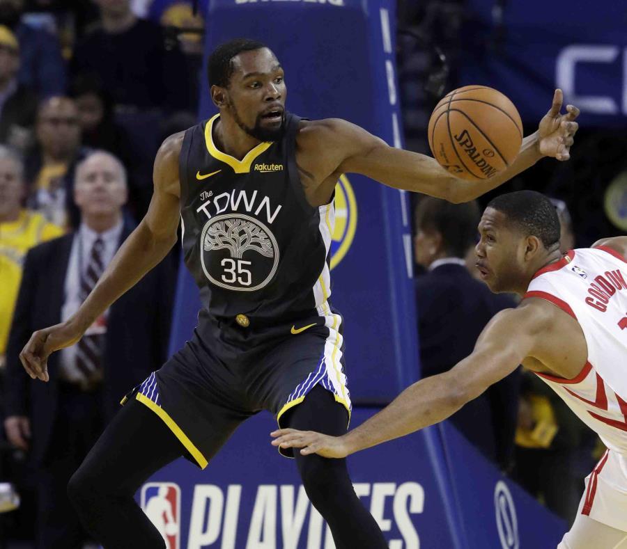 Kevin Durant promediaba 33.2 puntos en la serie ante Houston. (AP) (semisquare-x3)