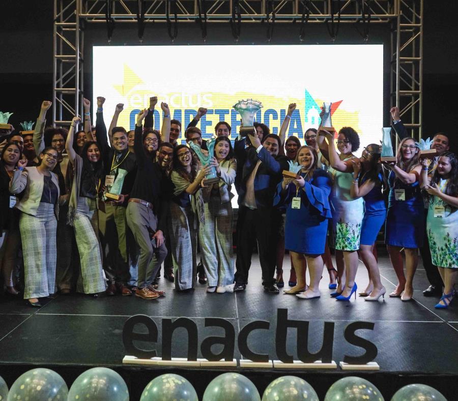 El equipo campeón de esta competencia de Enactus fue el de  la Universidad de Puerto Rico, Recinto de Humacao y el equipo subcampeón fue el de Humacao Community College. (Suministrada) (semisquare-x3)