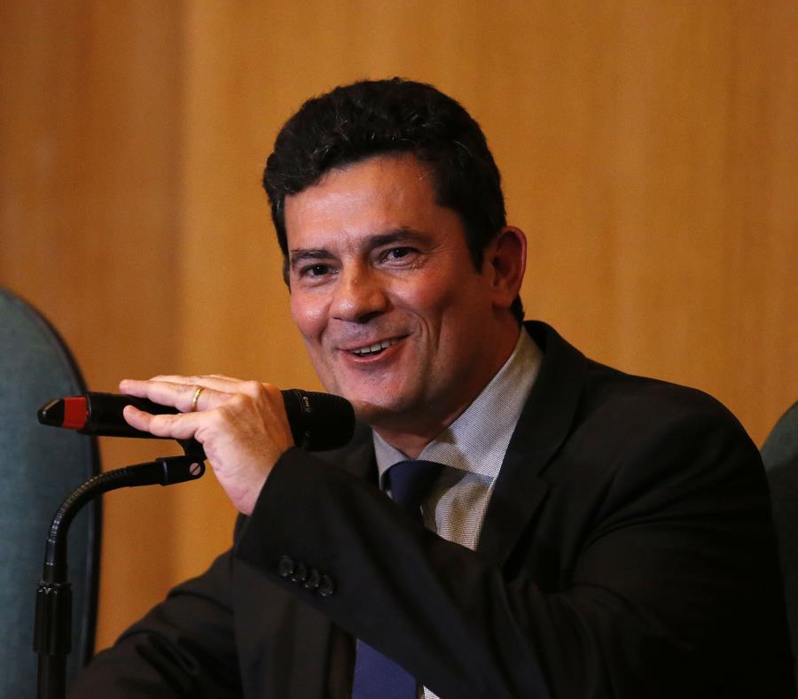 Moro, que será ministro de Justicia y Seguridad Pública en el próximo gobierno del ultraderechista Jair Bolsonaro (semisquare-x3)