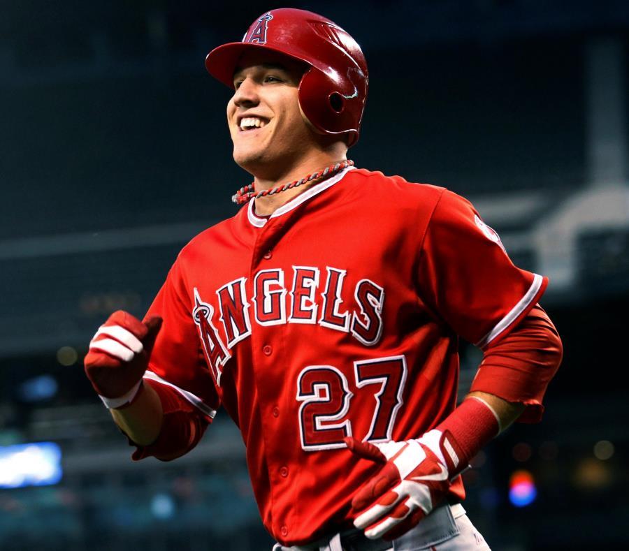 Mike Trout podría convertirse en un futuro no muy lejano en el jugador mejor pagado en la historia del béisbol. (AP) (semisquare-x3)