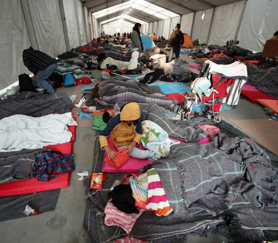 La caravana de migrantes decidirá este viernes si sigue o no la travesía a EE.UU. (semisquare-x3)