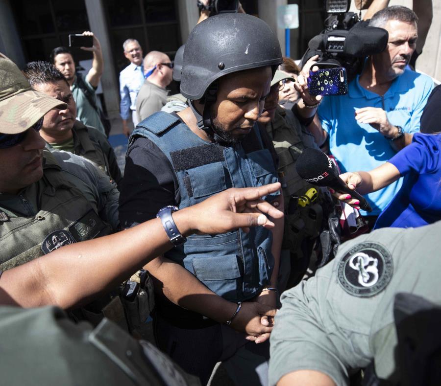 Llegada de los acusados por el asesinato de Tonka al Tribunal de San Juan (semisquare-x3)