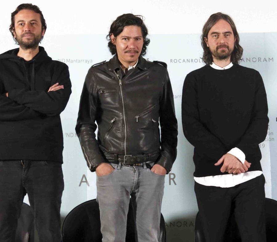 Miembros de la banda Mexicana de rock Zoé. (semisquare-x3)