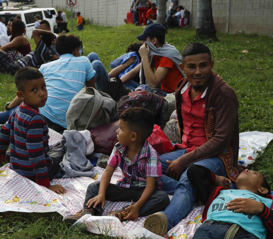 Nueva caravana de inmigrantes hondureños se dirige a EE. UU