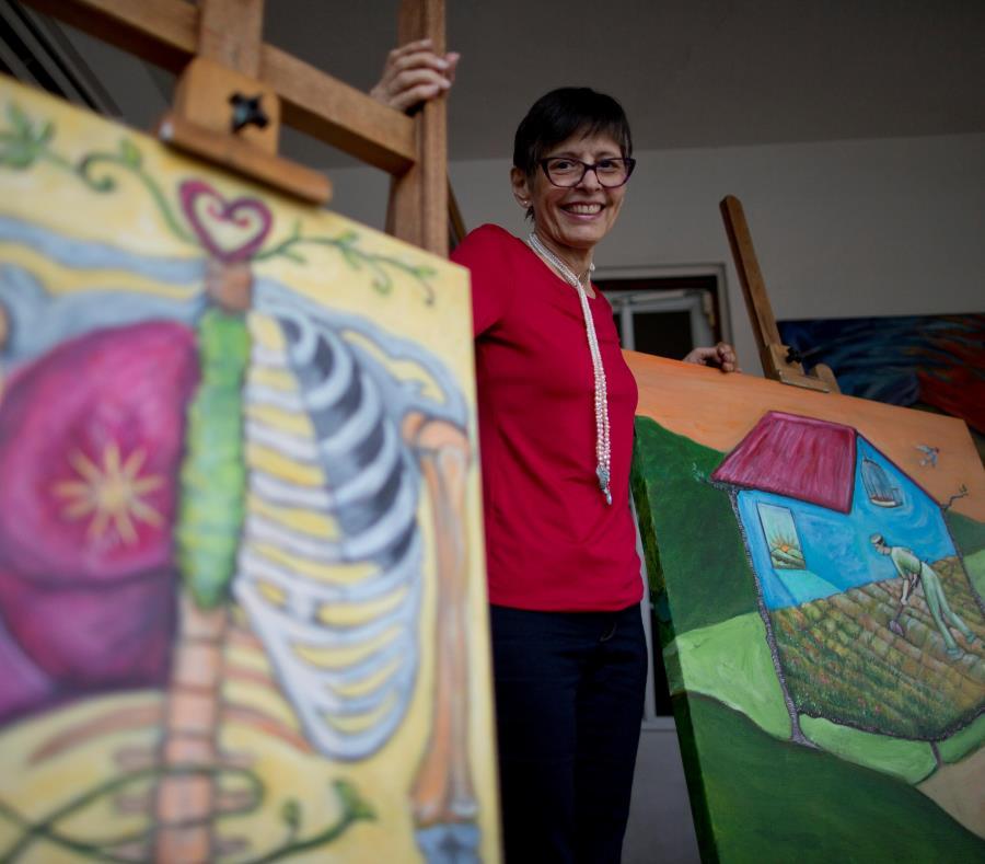 Midiam Astacio se sentía feliz pintando sus cuadros, pues era su forma de comunicarse con el mundo. (semisquare-x3)