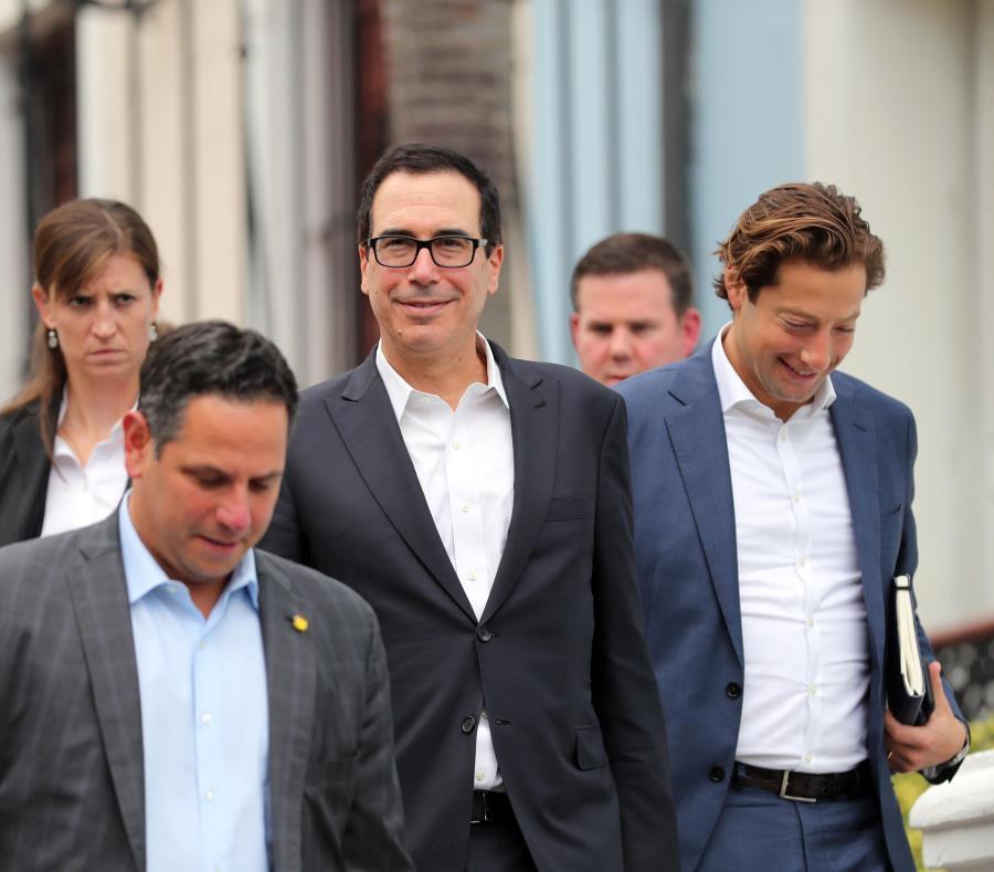 El secretario del Tesoro, Steven Mnuchin, se reunió en julio con el gobernador Ricardo Rosselló Nevares en La Fortaleza. (GFR Media) (semisquare-x3)