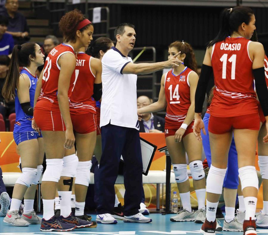 El técnico nacional José Mieles (con camisa blanca) resaltó que el objetivo principal en el repechaje será obtener la clasificación a los Juegos Panamericanos de 2019. (Suministrada) (semisquare-x3)