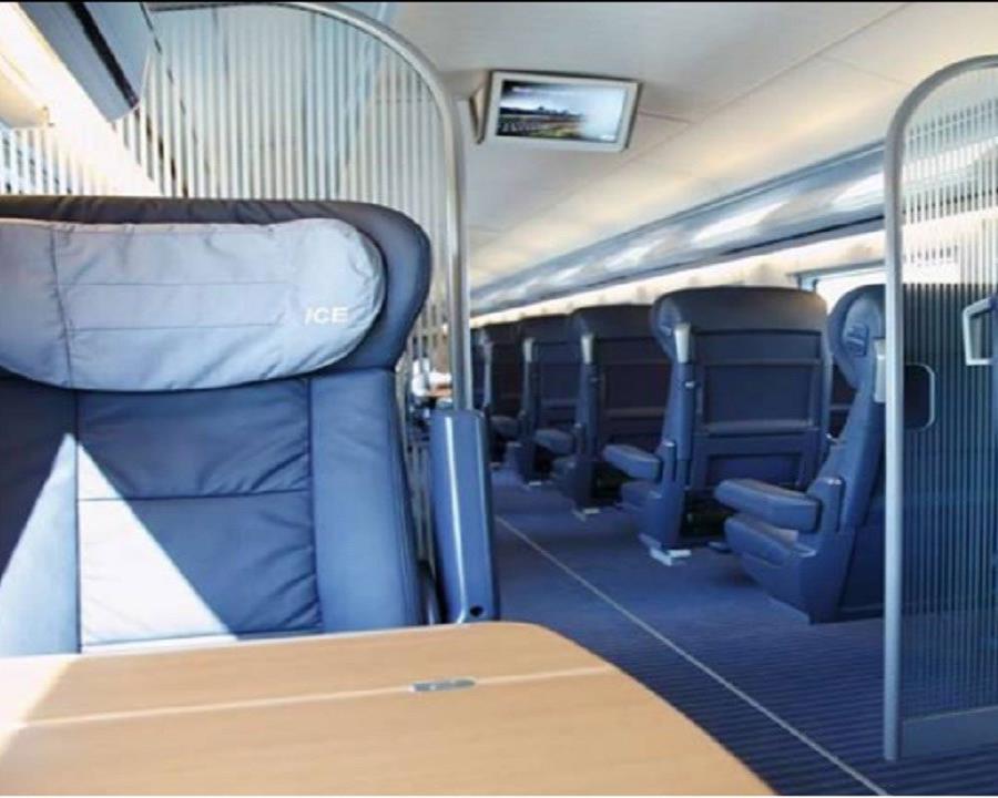 Interior de un vagón de la empresa ferroviaria alemana Deutsche Bahn, similar al que utilizaba Teresa W. como escenario para realizaba sus vídeos. (Deutsche Bahn) (semisquare-x3)