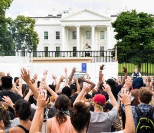 Las protestas por la muerte de George Floyd llegan a la Casa Blanca y al edificio de CNN
