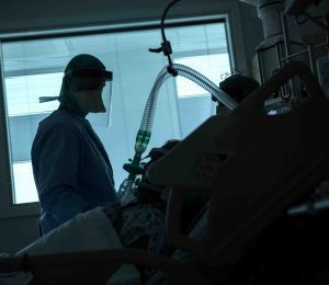 Hospitales de Europa están abrumados por la crisis del coronavirus