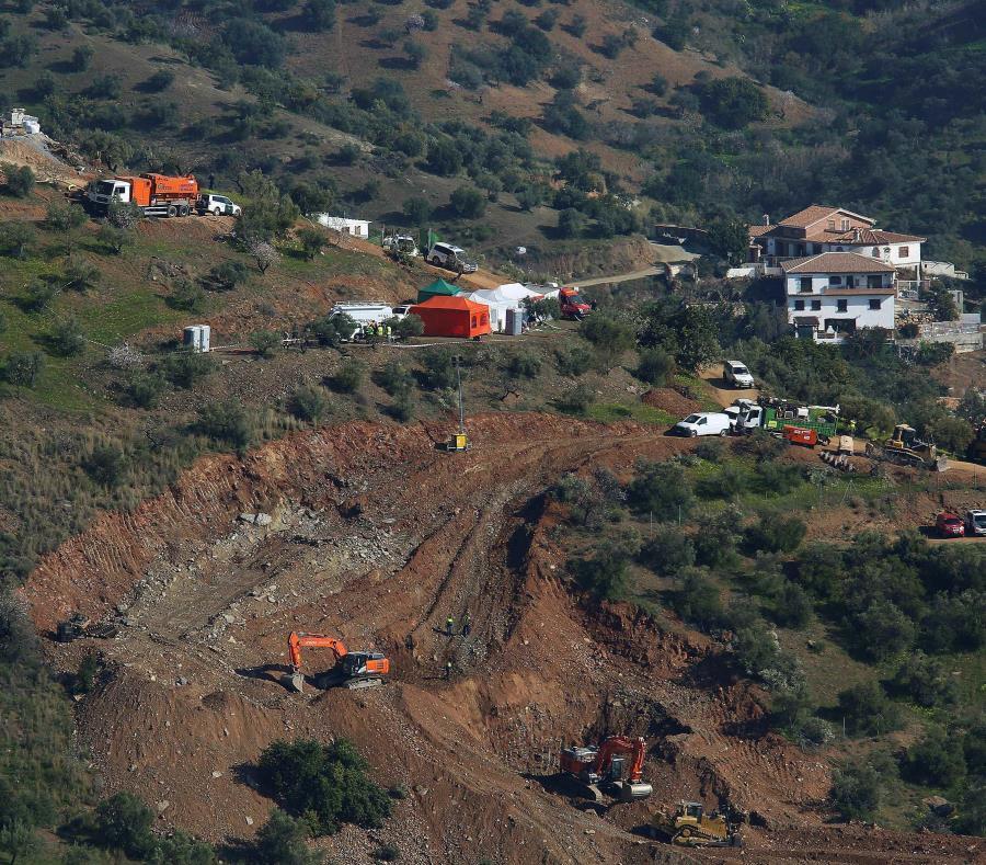 El rescate del niño español atrapado en un pozo podría durar días (semisquare-x3)