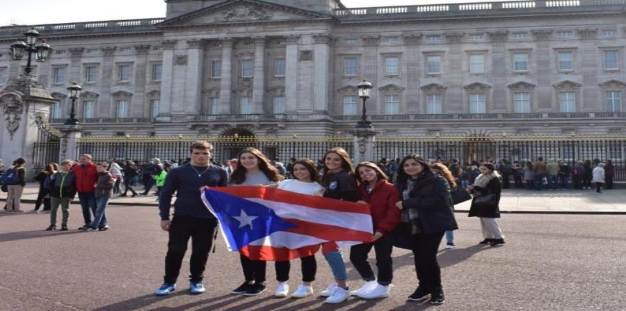 Estudiantes del Colegio Mater Salvatoris, en Río Piedras,  se destacaron en un campeonato de negocios en Inglaterra.  (Suministrada) (horizontal-x3)