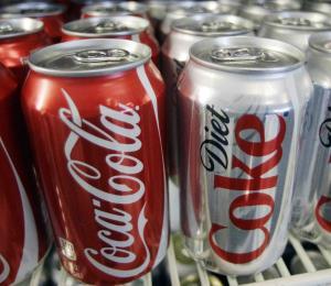 Coca Cola planifica reciclar una botella por cada una que venda