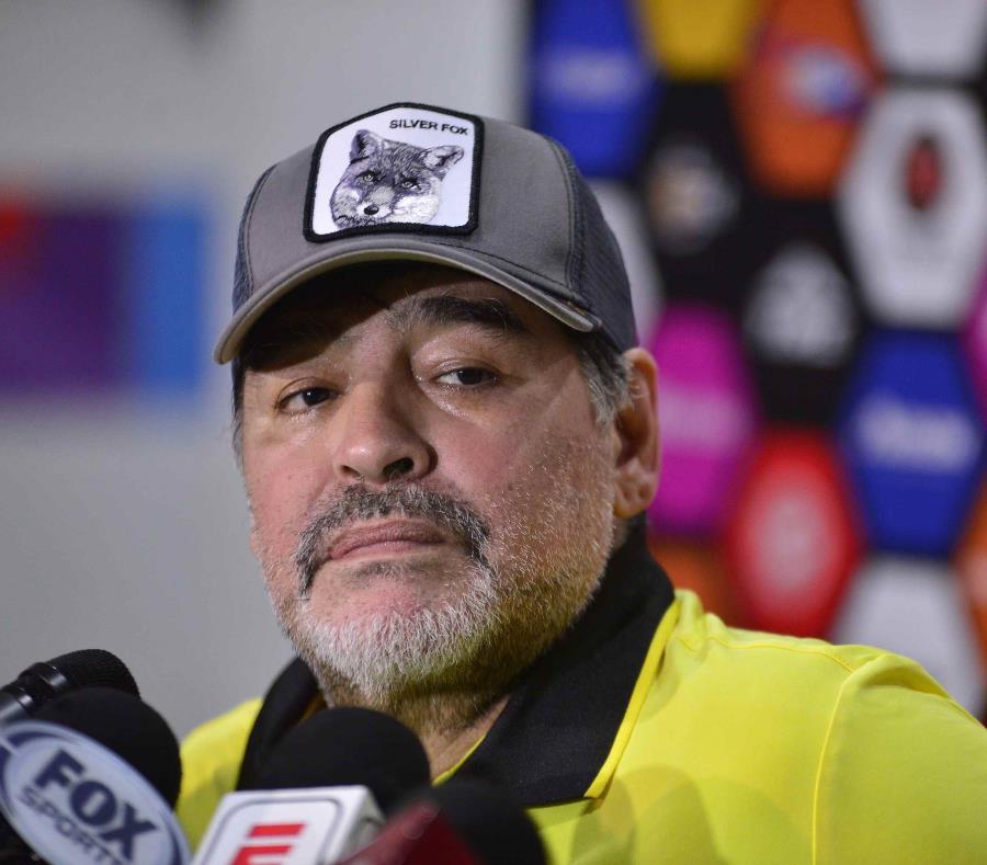 Diego Maradona funge como técnico de los Dorados de Sinaloa en México. (AGencia EFE) (semisquare-x3)