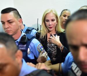 Patético acto de cobardía de Nivia Fernández