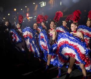 Voilà le Moulin Rouge, el cabaret más famoso del mundo