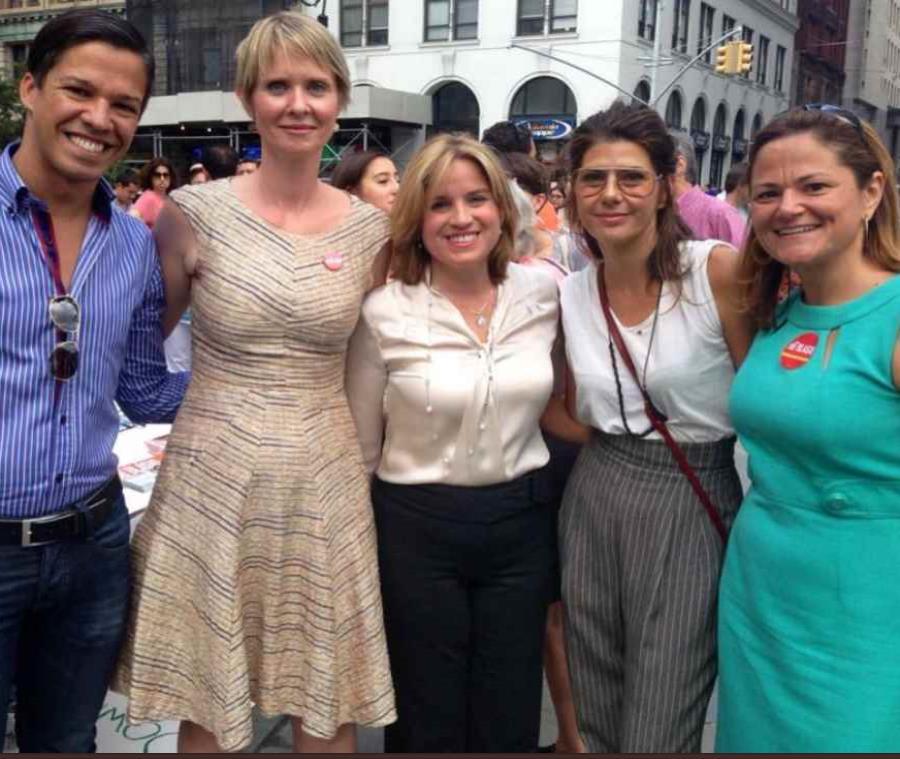 Al centro la alcaldesa de San Juan, Carmen Yulín Cruz, junto a Cynthia Nixon a su izquierda (semisquare-x3)