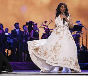 Aretha Franklin está animada y consciente pese a su enfermedad