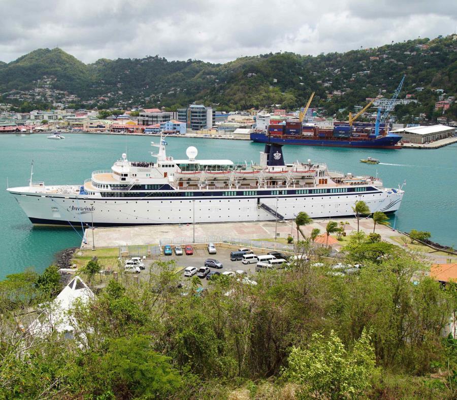 Crucero en Santa Lucía en cuarentena por caso confirmado de sarampión