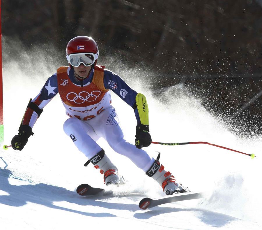 Dennis Flaherty era el padre del esquiador Charles Flaherty, quien en los Juegos Olímpicos Invernales de Pyeongchang 2018 (Corea del Sur) se convirtió en el primer representante de Puerto Rico en participar y completar su evento. (GFR Media) (semisquare-x3)