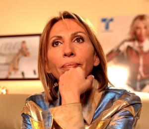 "Laura Bozzo estalla contra un cineasta por usar su ""célebre"" frase"