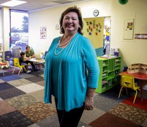 Marytza Sanz vive para ayudar a los boricuas en Florida